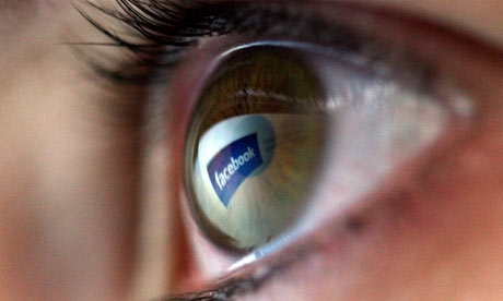 Facebook risk photo